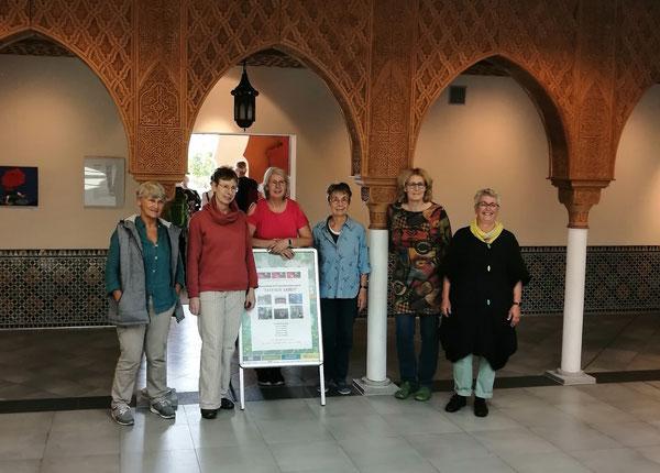 Vernissage im Saal der Empfänge der Gärten der Welt: Christel Bachmann, Andrea Sroke, Elvira Mewes, Ingeborg Teetz, Marita Czepa, Annette Weiske (v.l.)