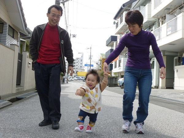 高知工科大学の藤澤先生の退職記念祝賀会に出席するため和恵が祐希を連れて2月25日にやってきた。3月4日に東京へ帰るまで1週間わが家で過ごす。日々目に見えて成長する。知恵が付き腕白になる。