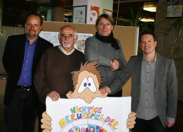 Unser Berufsorientierungsteam v.l.n.r.: Alexander Schnur (BO-Koordinator der IGS), Alfred Szabo (BO-Koordinator der RS+),   Thomas Abt und Marco Rieder (Stufenleiter 7/8 der IGS)