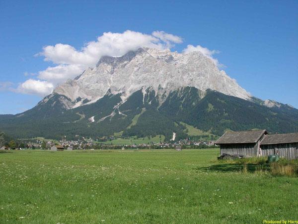 ... unser Berg, die Zugspitze - fast 3000m hoch -  Blick von Lermoos