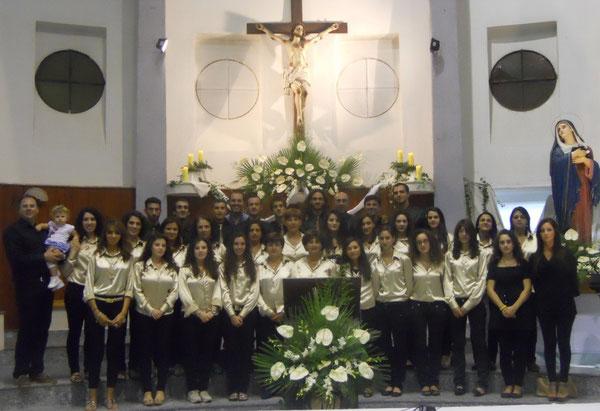 """Alcuni coristi del Coro Interparrocchiale """"S.M.V.Addolorata e S.Nicola"""" di Oppido M. (RC) - Chiesa del Calvario 15.9.2013"""