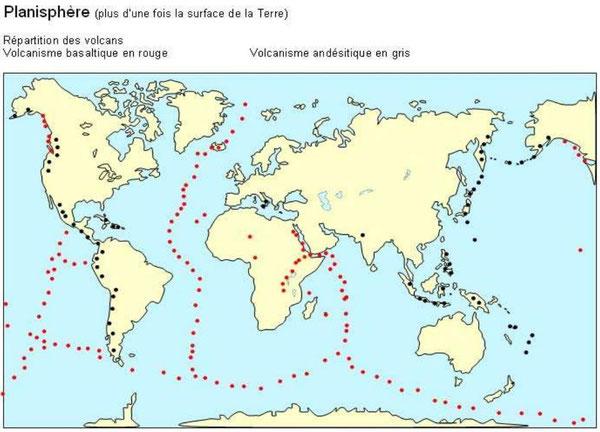 Répartition des volcans sur Terre. Source: http://www.clg-montesquieu-evry.ac-versailles.fr/IMG/pdf/pp_tectonique_des_plaques.pdf