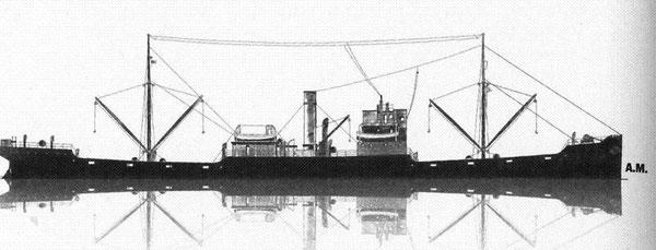Cargo type C du ministère des transports britannique conçu en 1916 pour faire face aux pertes causées par les sous-marins (dessin André Meignen)