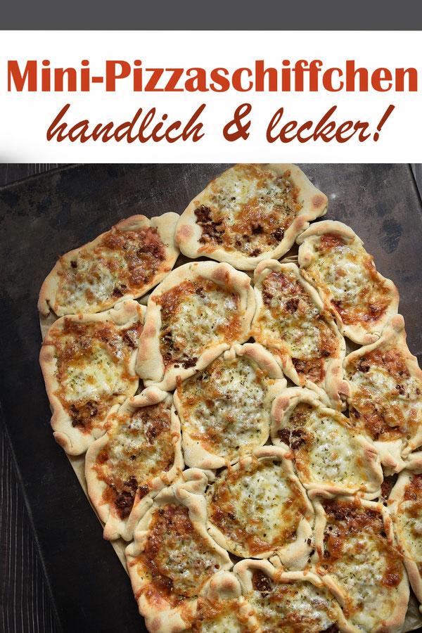 Mini Pizzaschiffchen für 1 Blech, ca. 16 Stück, individuell belegen nach Wunsch, perfekt als Snack bei einer Gartenparty, Kindergeburtstag, Sommerparty, als Picknick Snack etc. Teig aus dem Thermomix