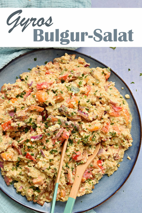 Bulgur Salat mal anders als Gyros Variante mit Tzatziki Dressing, Zwiebeln, Tomaten, Paprika, Gyros (z.B. Veggie), Sommersalat, Partysalat, Thermomix