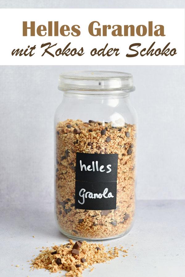 Helles Granola mit einfach Zutaten, schnell gemacht, Haferflocken, Mandeln, Kokosöl, Schokostücken oder Kokosraspel und Ahornsirup, vegan, Frühstück
