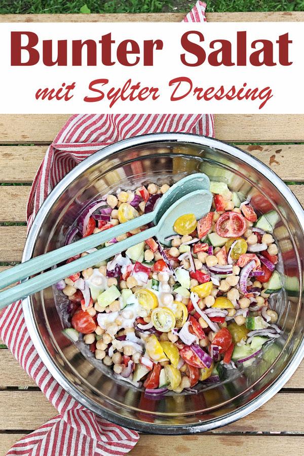 Bunter Salat mit Sylter Dressing, Paprika, Gurken, Kichererbsen, Zwiebeln, Soße selbst gemacht aus dem Thermomix, vegetarisch, vegan machbar, Sattmacher-Salat