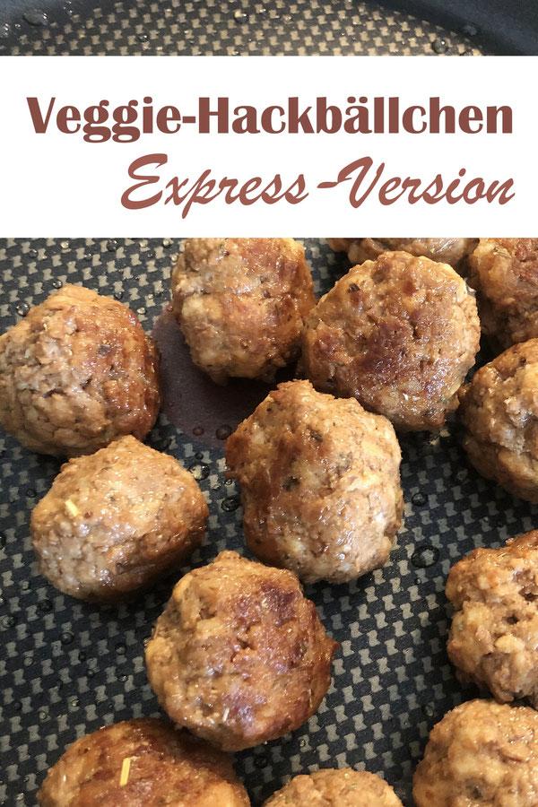Vegetarische und vegane Hackbällchen ruck zuck gemacht, Masse im Thermomix vermischen, daraus Bällchen formen und in der Pfanne braten.
