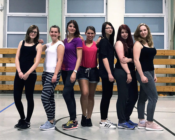 Die Latin Fitness-Mädels haben richtig Spaß!!