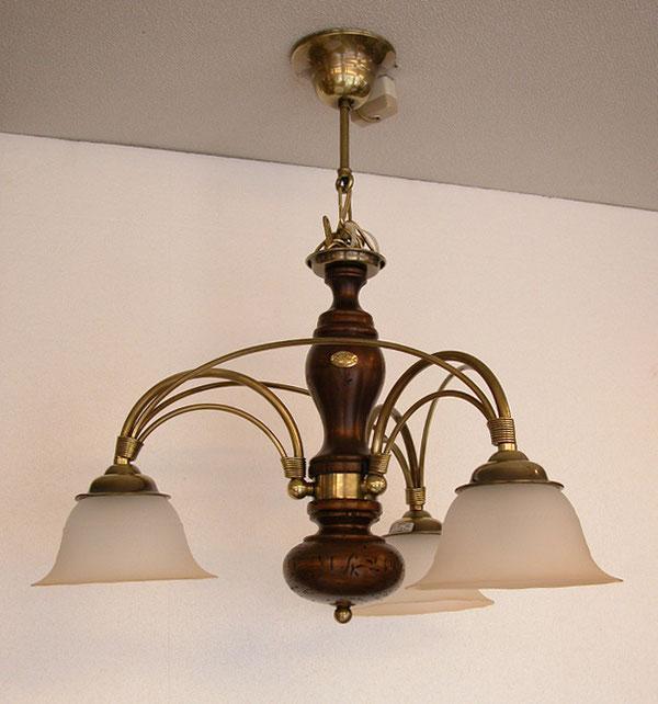 カッパーニの古木ランプ