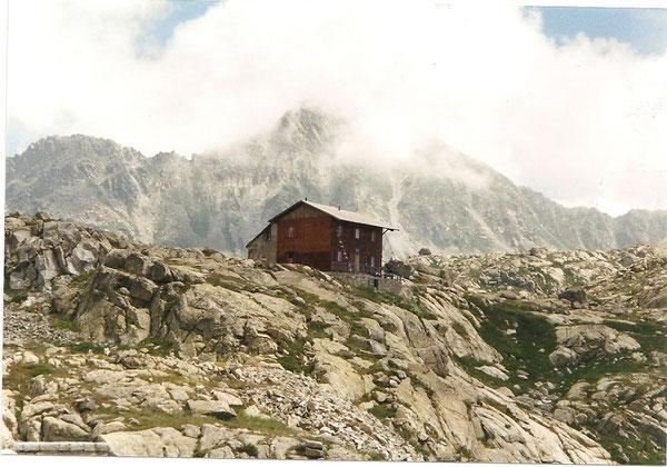 Le refuge de Colomina (Encantats)