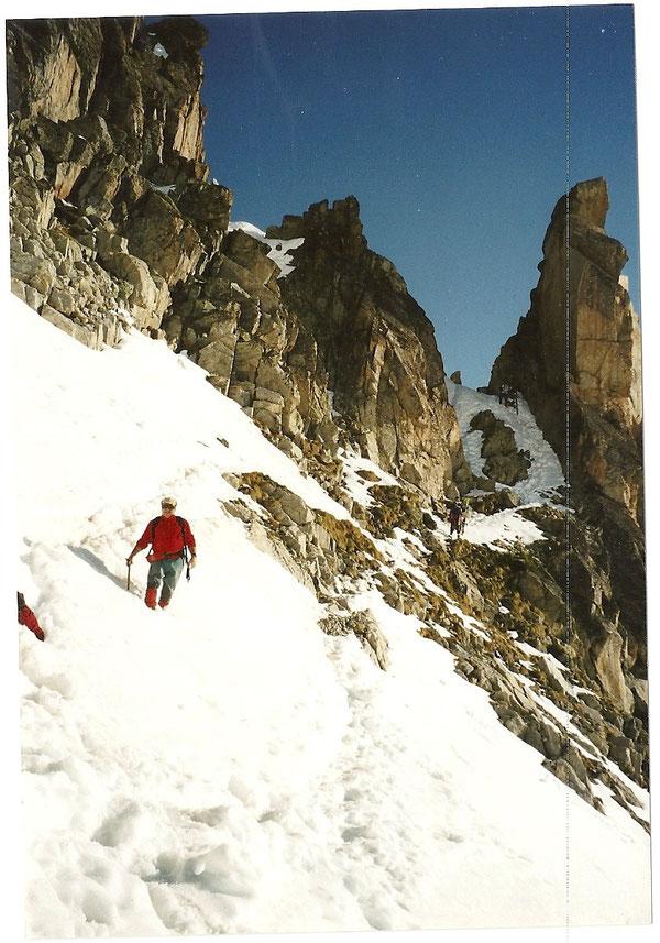 Descente du Portillon Supérieur sur le glacier de l'Anéto.