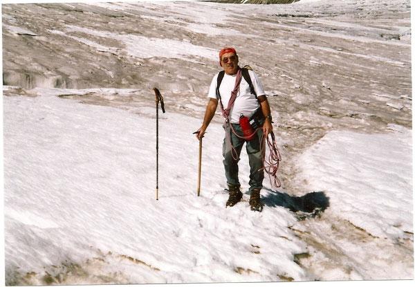 Georges sur le Grand Glacier du Vignemale.