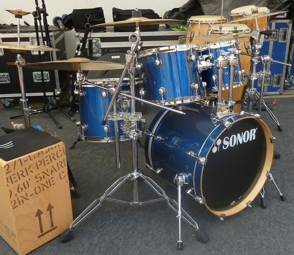 "Basix Concept 20""10""12""14"" & 14"" Snare in Blue Sparkle"