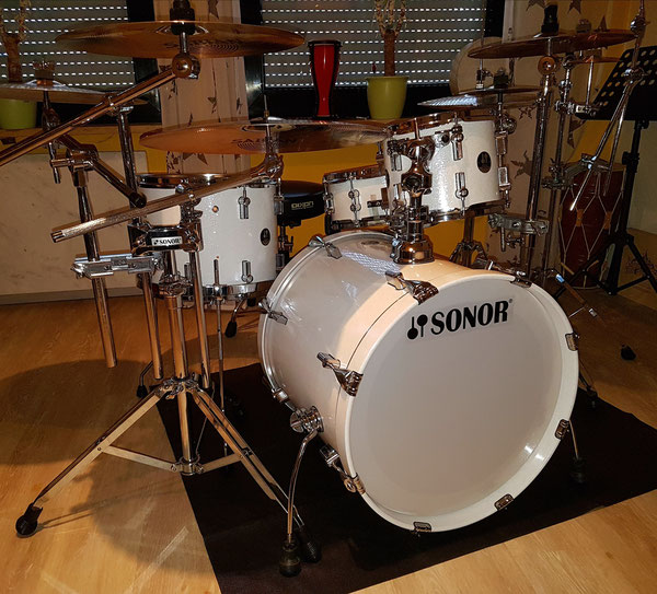 "Sonor Force 3007 Maple in White Sparkle 20"" 10"" 14"" + 14 x 5,5"" Snare"