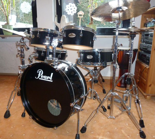 "Pearl Rhythm Traveler in 22""10""12""14"" & 13"" Snare"