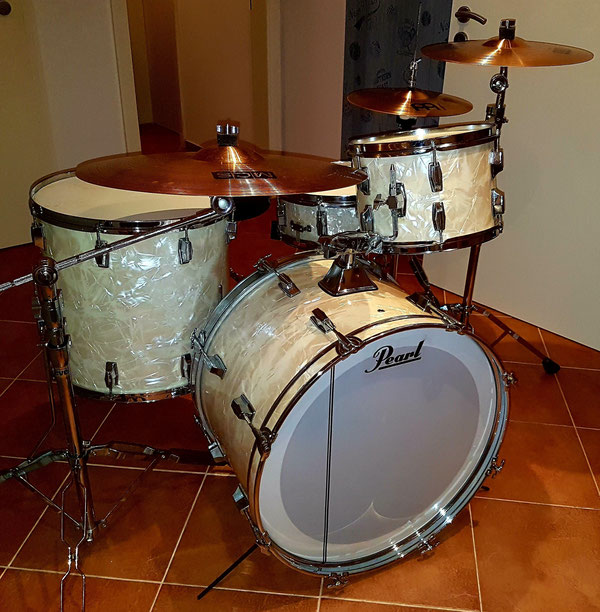 """Pearl 70s 22""""12""""13""""16"""" 14""""Snare in White Marine Pearl"""