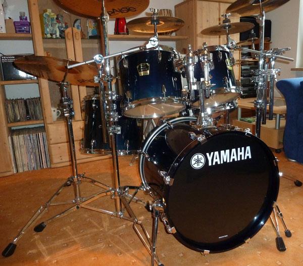 "Yamaha Stage Custom Advantage Sapphire Blue Fade 20"" 10"" 12"" 14"" & 14"" Snare"