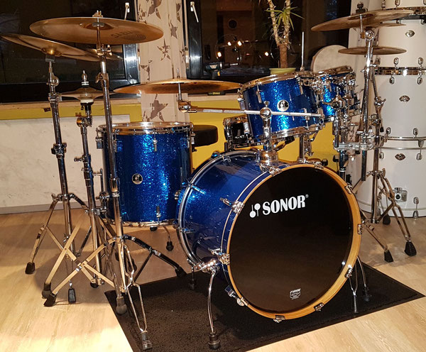 "Sonor Force 3007 Maple 22"" 10"" 12"" 16"" in Blue Sparkle"