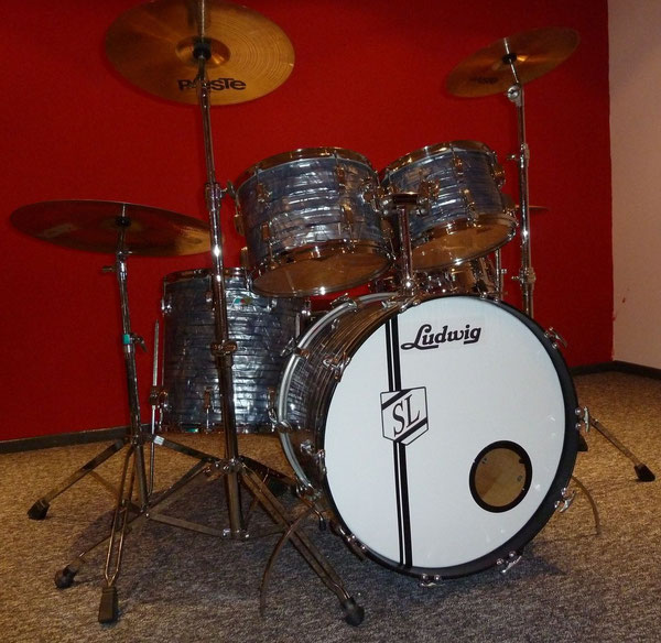 """Ludwig Classic Maple 1978  22"""" 12"""" 13"""" 16"""" in Sky Blue Pearl"""