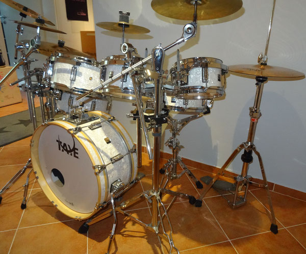 "TAYE GoKit in White Marine Pearl 18"" 8"" 10"" 12"" 14"" & 13"" Snare"
