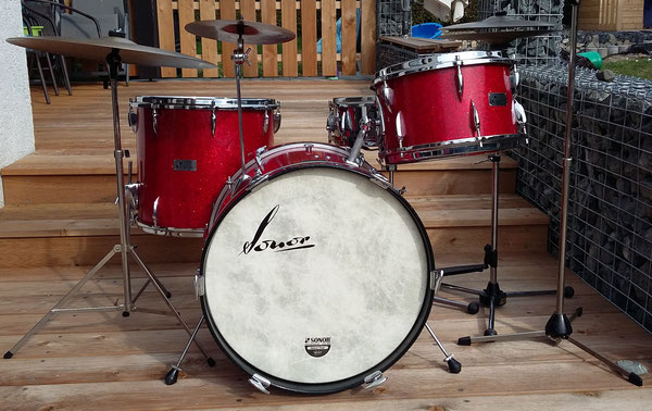 "Sonor Teardrop 1964 in Kristall Rot 13"" 16"" 20"" & 14"" Metall-Snare"