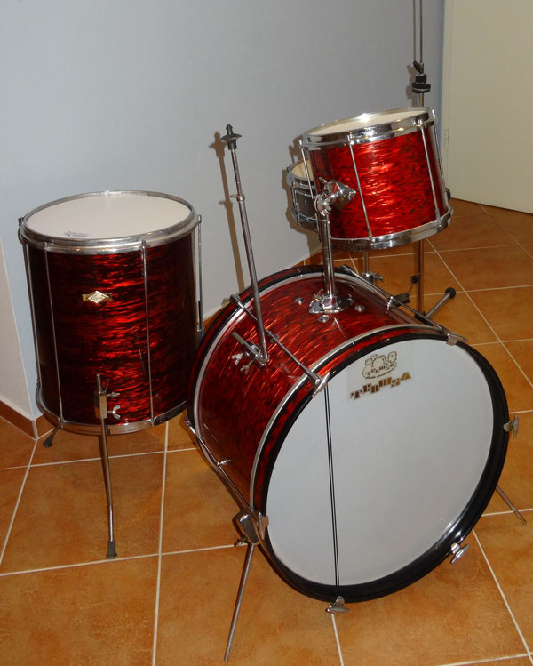 "Korri 1969  20""10""12""14"" & 13"" Snare in Red Ripple"
