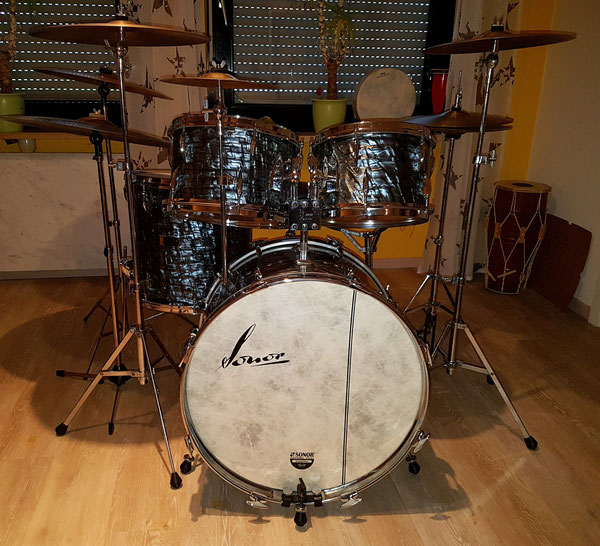 "Sonor Teardrop Big Beat 1971 in Silbergrau 22"" 12"" 13"" 16"" & 14"" Snare"