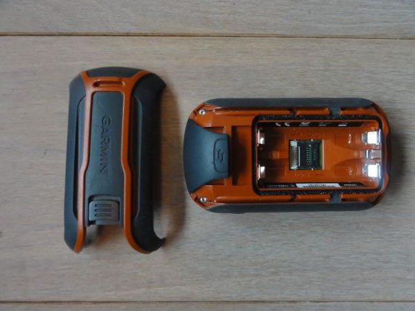 Dakota 20 Batteriefach und micro-SD-SLot