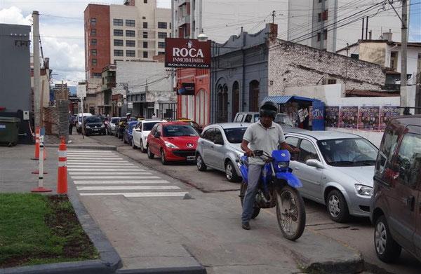 San Salvador und die Tankstellenschlange