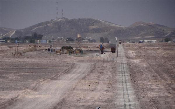 eine so stark frequentierte Minenbahnlinie, dass eine Straßenüberführung gebaut wurde