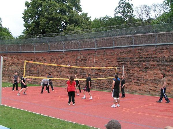 Volleyball im Freien: Der Himmel kannte keine Grenzen für den Volleyball