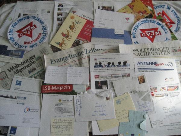 Einige Briefe, Postkarten, Zeitungen und Homepages