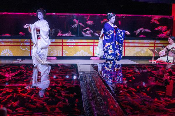 二条城アートアクアリウム城~京都・金魚の舞~ 舞妓・芸妓の舞