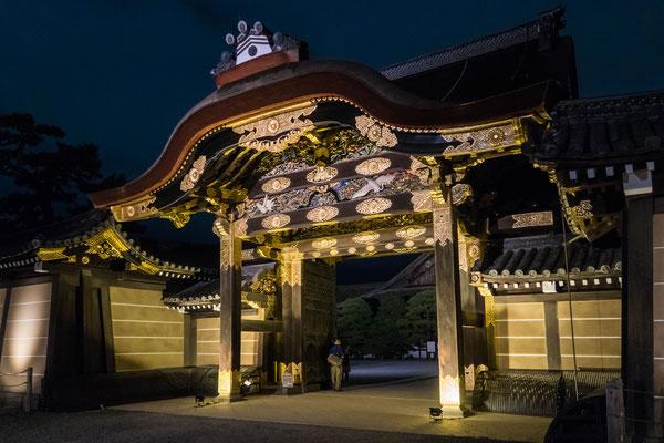 京都ライトアップイベント「京の七夕」二条城会場「二之丸御殿唐門」