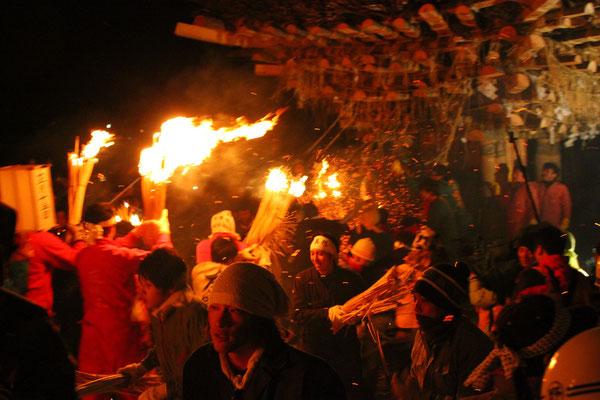 野沢温泉 火祭り