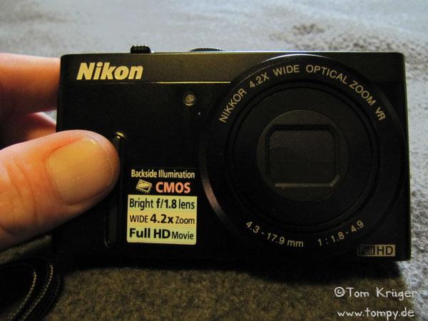 Nikon Coolpix P300, 12.1 Megapixel, 1:1.8 - 4.9, f=4.3mm - 17.9mm (entspricht 24 bis 100 mm)