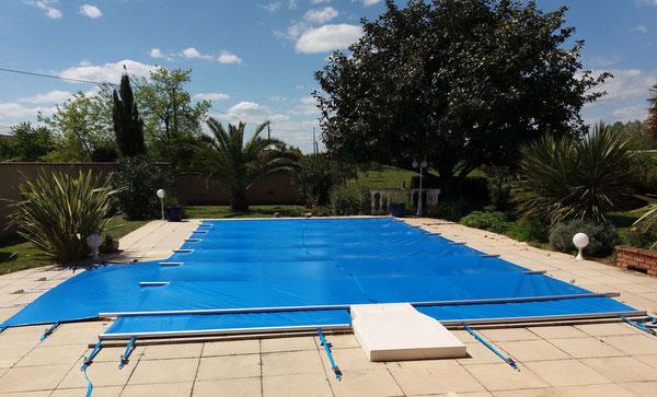 Bache-a-barres-sur-mesures-piscine-Meauzac-82290