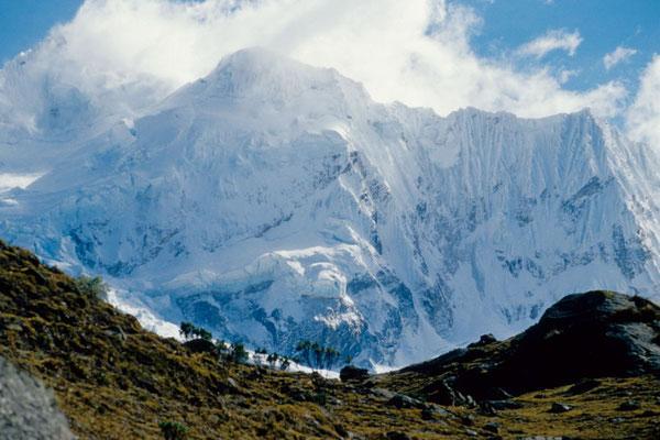 Palcaraju (6274m) im oberen Ende des Cojup-Tales (Cordillera Blanca)