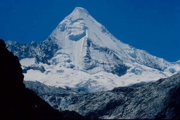 Nevado Artesonraju