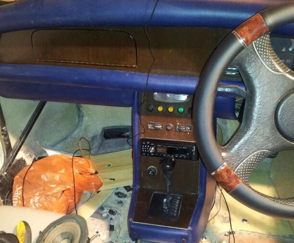 Dashboard and centre console ready for final fix