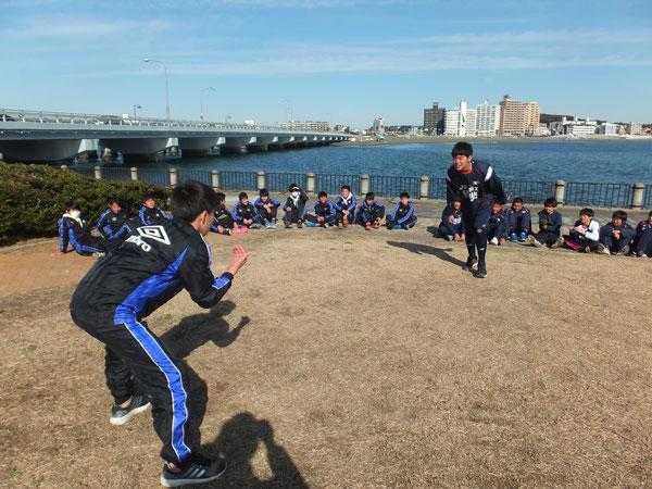 恒例の相撲大会 今年は学年対抗戦!