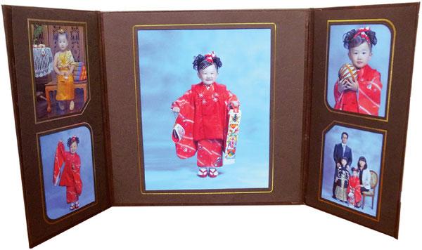 七五三の衣装、タイ衣装、家族との記念写真が入った 豪華台紙のアルバム。衣装や着付け代も込みでお得