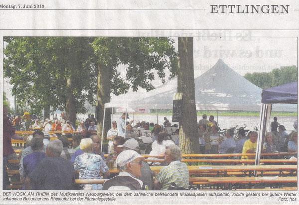 BNN Bericht 07.06.2010 - Das Foto zeigt das Blasorchester des MVB während des Auftritts.