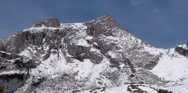 Hochiss (2299m), höchste Erhebung des Rofangebirges bei Wintereinbruch.