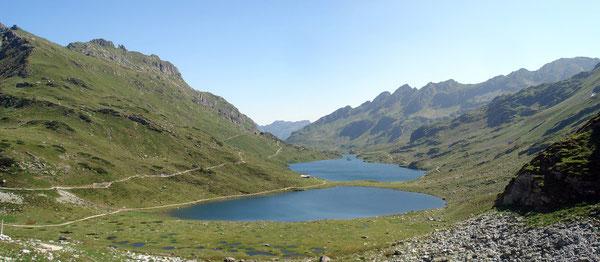 Der romantisch in die Bergwelt eingebettete Giglachsee