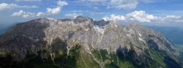 Ausblick vom Schneibstein zum Hohen Brett (2340m) und Hoher Göll (2522m)