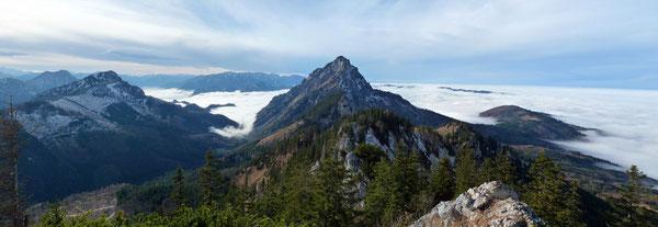 Blick vom Steineck-Gipfel zum Traunstein