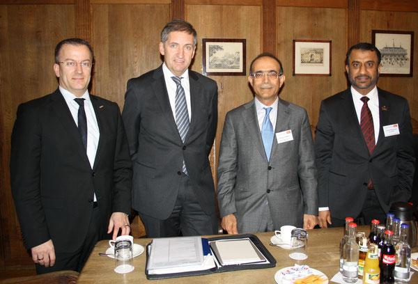 Panelists (l > r) Olaf Lawrenz, Airbus / Michael Eggenschwiler, HAM Airport  /  Nasser Al Madani, Dubai Airport Free Zone /  Ibrahim Al Janahi, Jebel Ali Free Zone -  source: HS