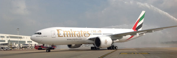 Arrival of first Emirates flight at BRU  /  source: MS